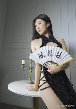H2023黑旗袍-苏伟