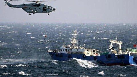 大批渔船云集日本近海