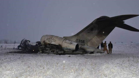 美军军机在伊朗邻国坠毁