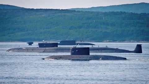 俄8艘核潜艇同时出海