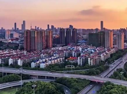 湖南省庆祝新中国成立70周年首场新闻发布会举行