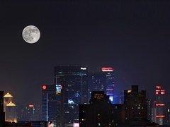 月是故乡明 天涯共此时