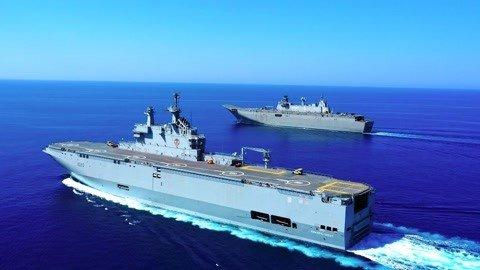 俄下决心建造直升机航母