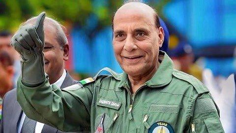 印度防长试驾光辉战机