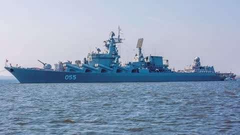 俄军万吨巡洋舰开赴伊朗