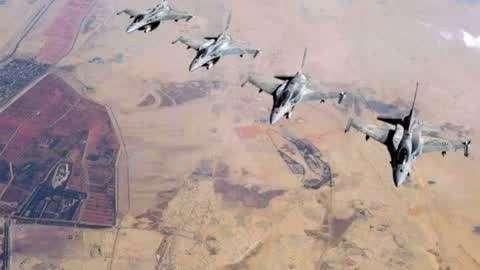 大批F16炸垮美械部队
