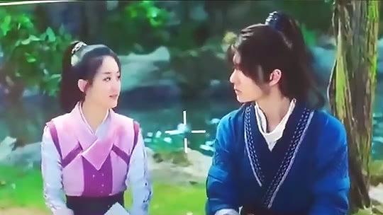 赵丽颖王一博对戏现场曝光热巴节目回忆姥姥落泪