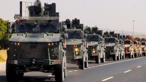 大批土耳其坦克全速推进