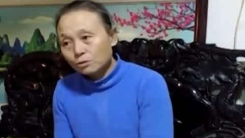 消防员偶遇队友母亲 69岁老太骑行16万公里