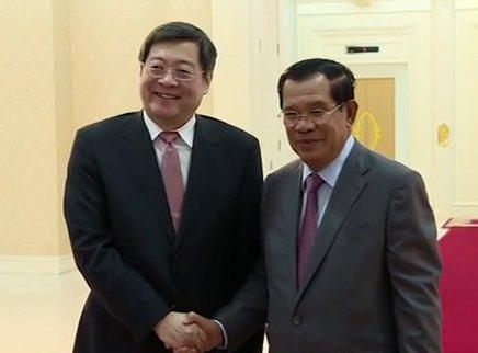 柬埔寨人民党主席、政府首相洪森会见杜家毫