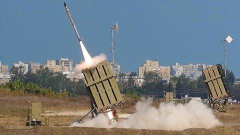 大批伊朗制火箭从天而降