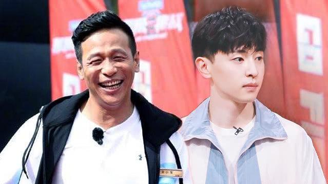 """《极挑》邓伦宋小宝组""""牛奶咖啡"""" 罗志祥周扬青9年恋情回顾"""