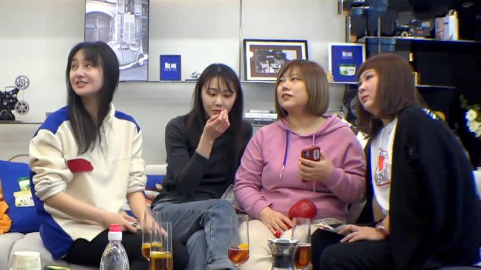 郑爽家人初公开都是明星脸,火箭少女10或无法参加《创3》总决赛
