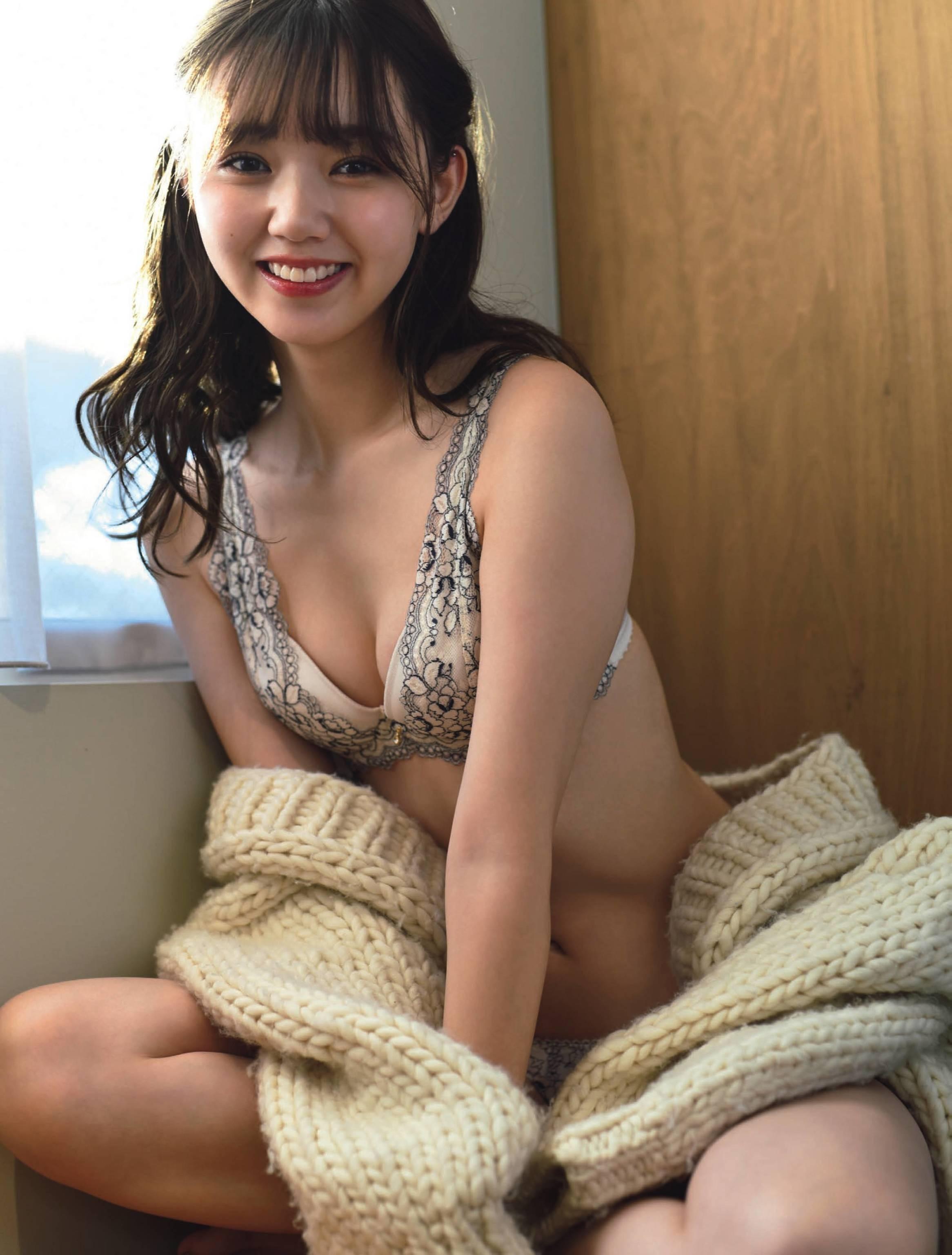 2-Manami Enosawa (3)
