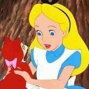 阴雨天 绿眼睛的猫 半捂着脸 骨子里认为是喜欢猫的女子是孤独决绝