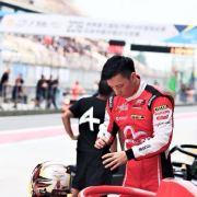 赛车手刘泽煊微博照片