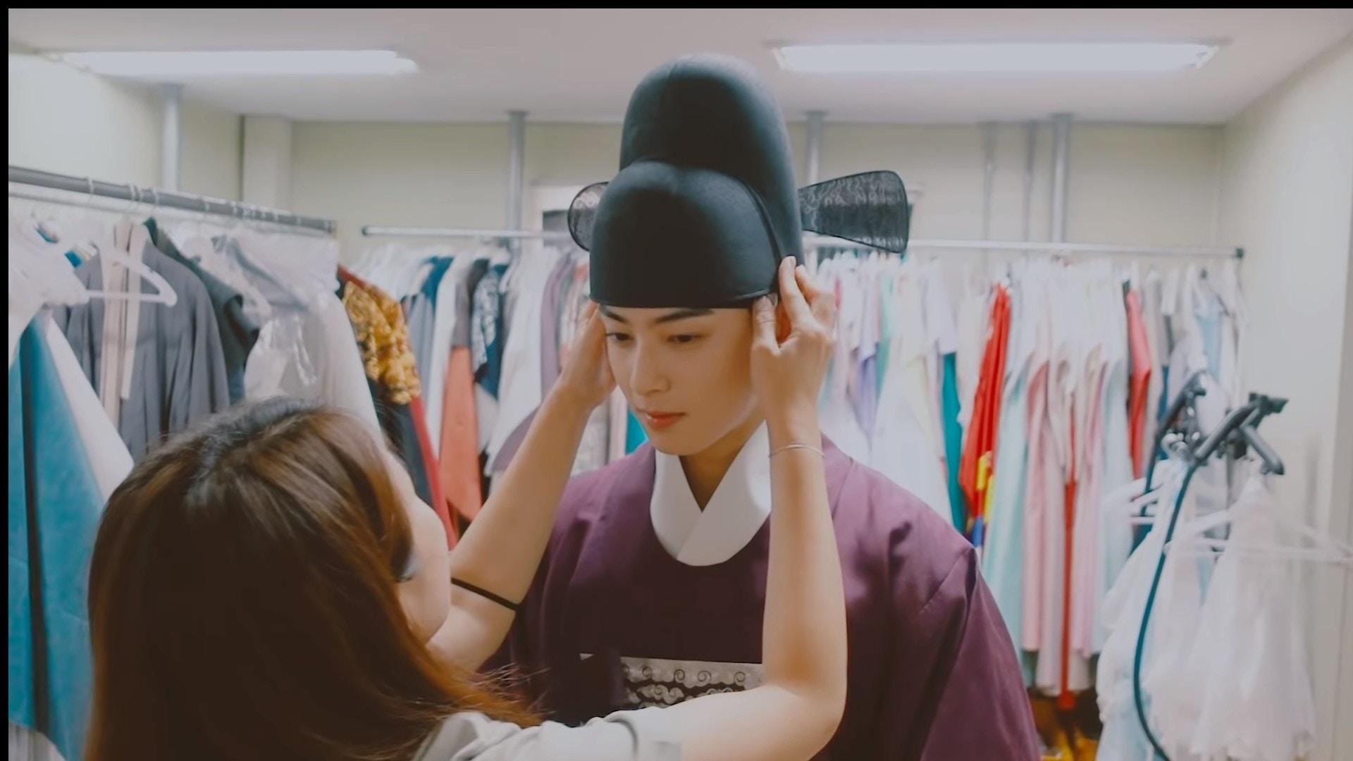 韩国「脸蛋天才」车银优卸妆片段公开,网友惊呼:根本不需要化妆啊!插图1