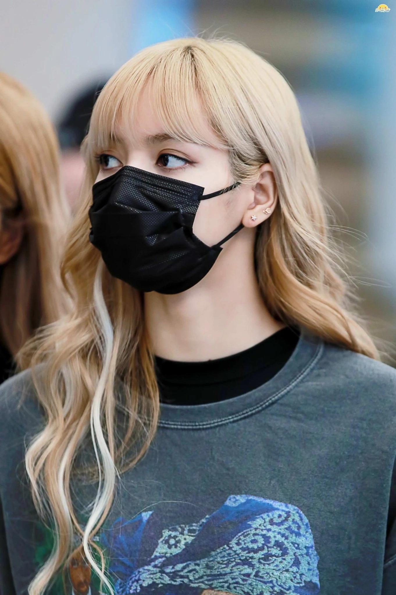 魅力无法挡!BLACKPINK成员Lisa戴上口罩依旧美丽!插图(14)