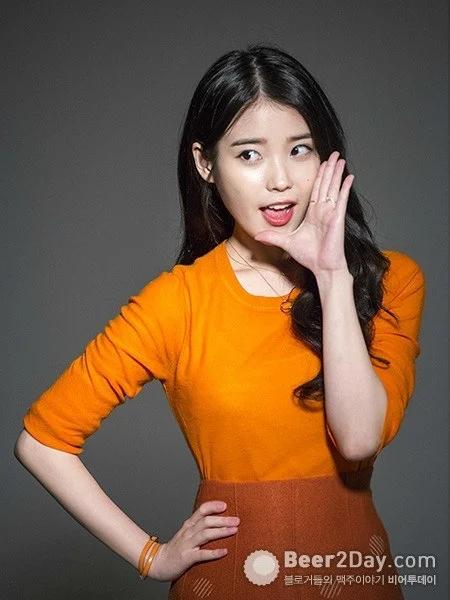 韩国当红偶像IU真是什么颜色都能驾驭啊!插图6