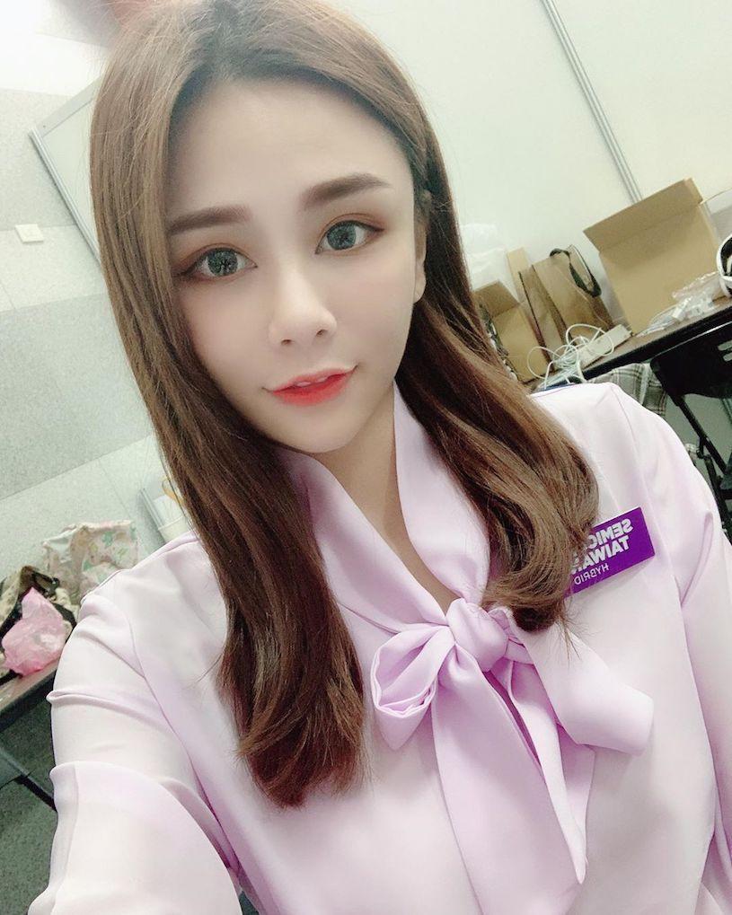 台湾正妹YuYu 奶茶儿低胸诱惑美照 养眼图片 第5张