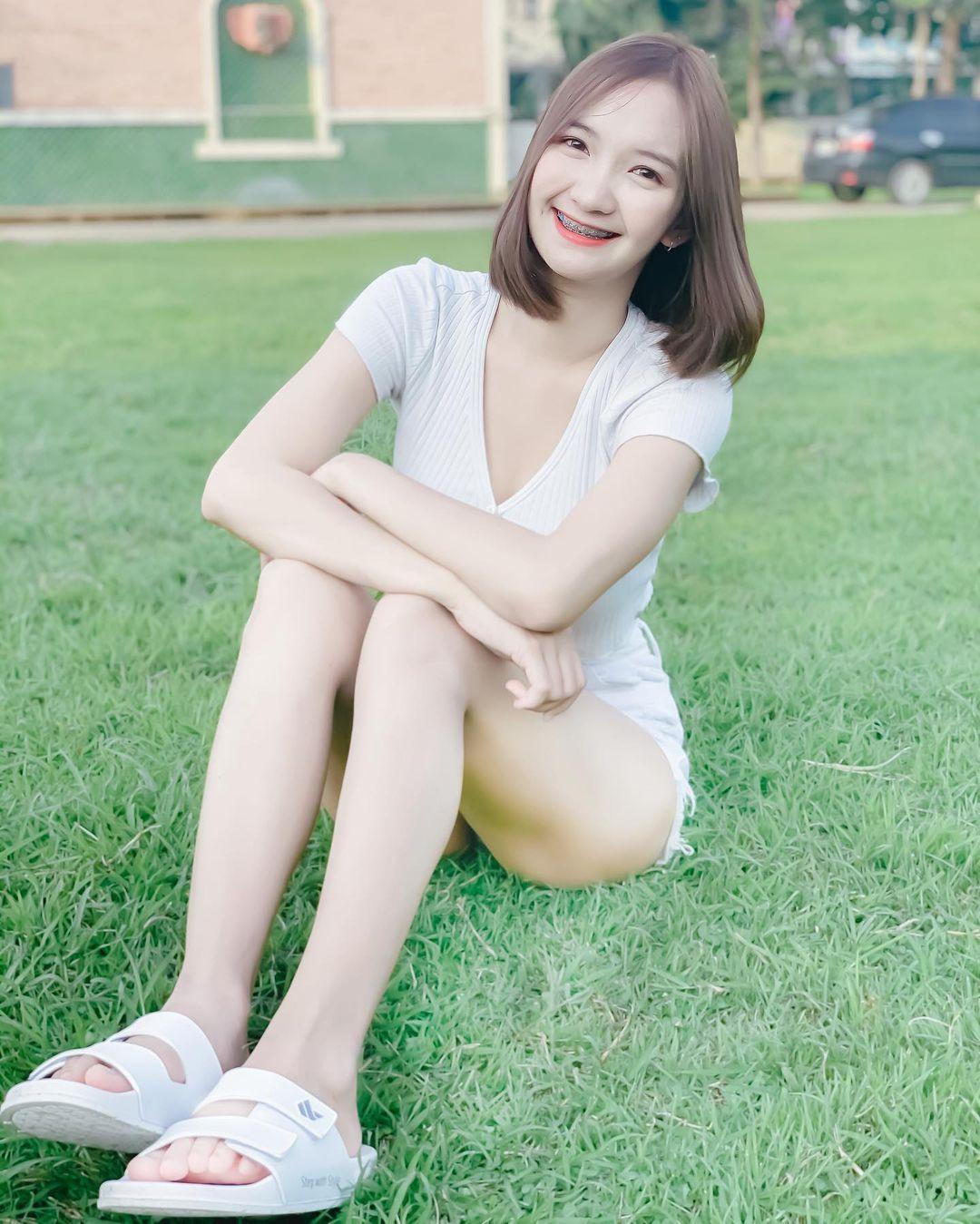 泰国童颜女主播紧身吊嘎低胸人深字沟清晰可见 男人文娱 热图10