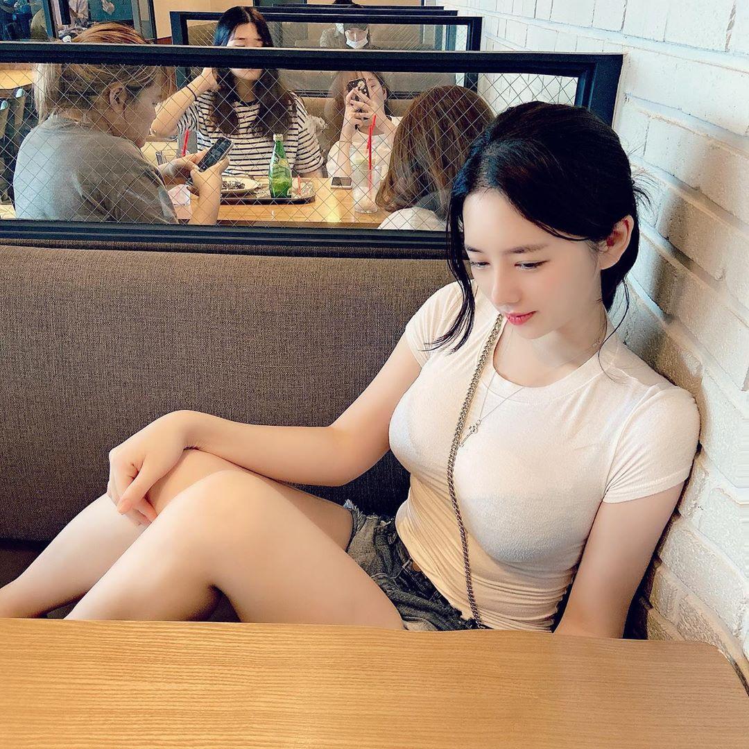 韩国成熟御姊「Bitnara」性感出浴照,真实年龄和外表超反差插图5