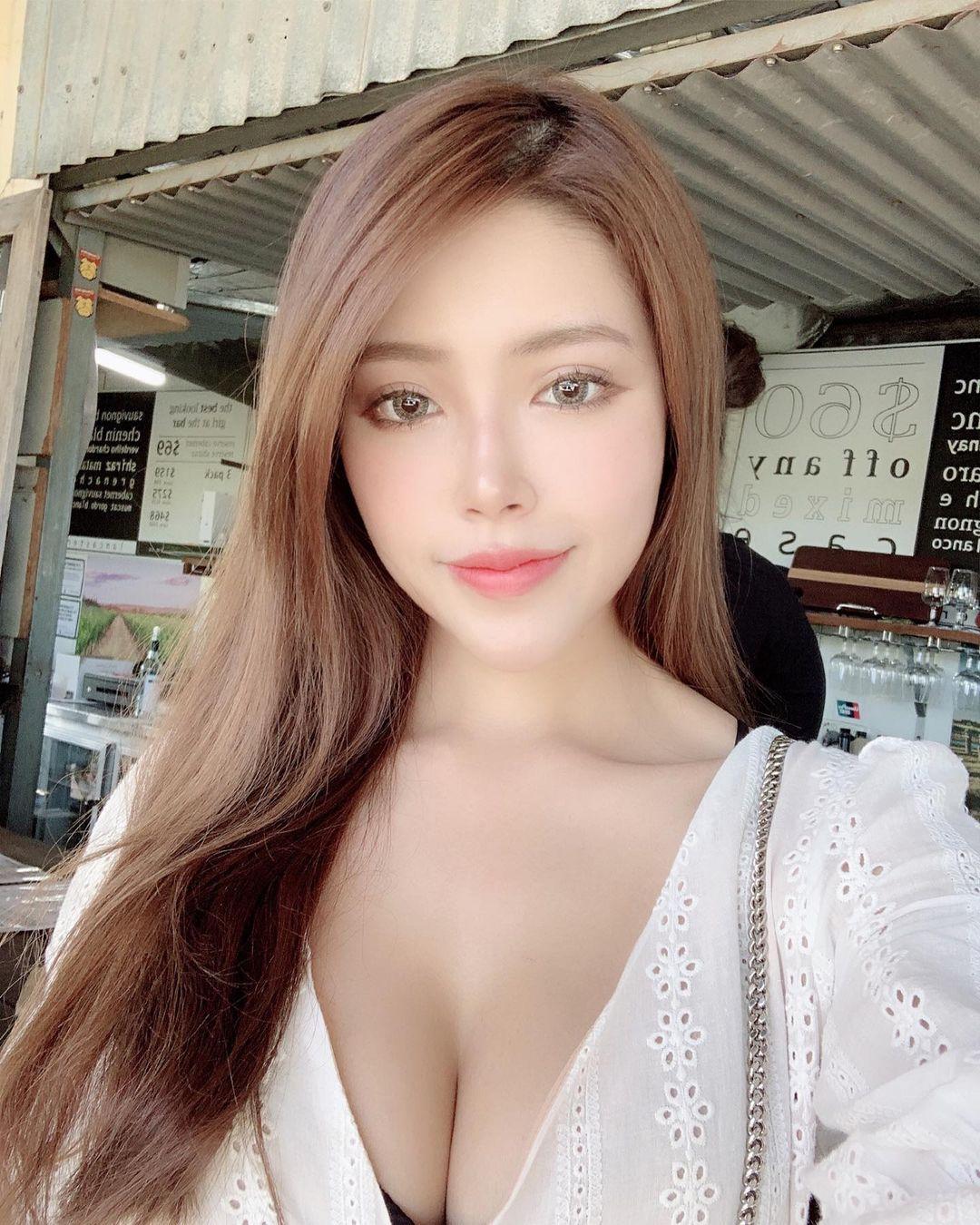 马来西亚的网红娜娜Hannah 回头率100%的超胸妹子 网络美女 第2张