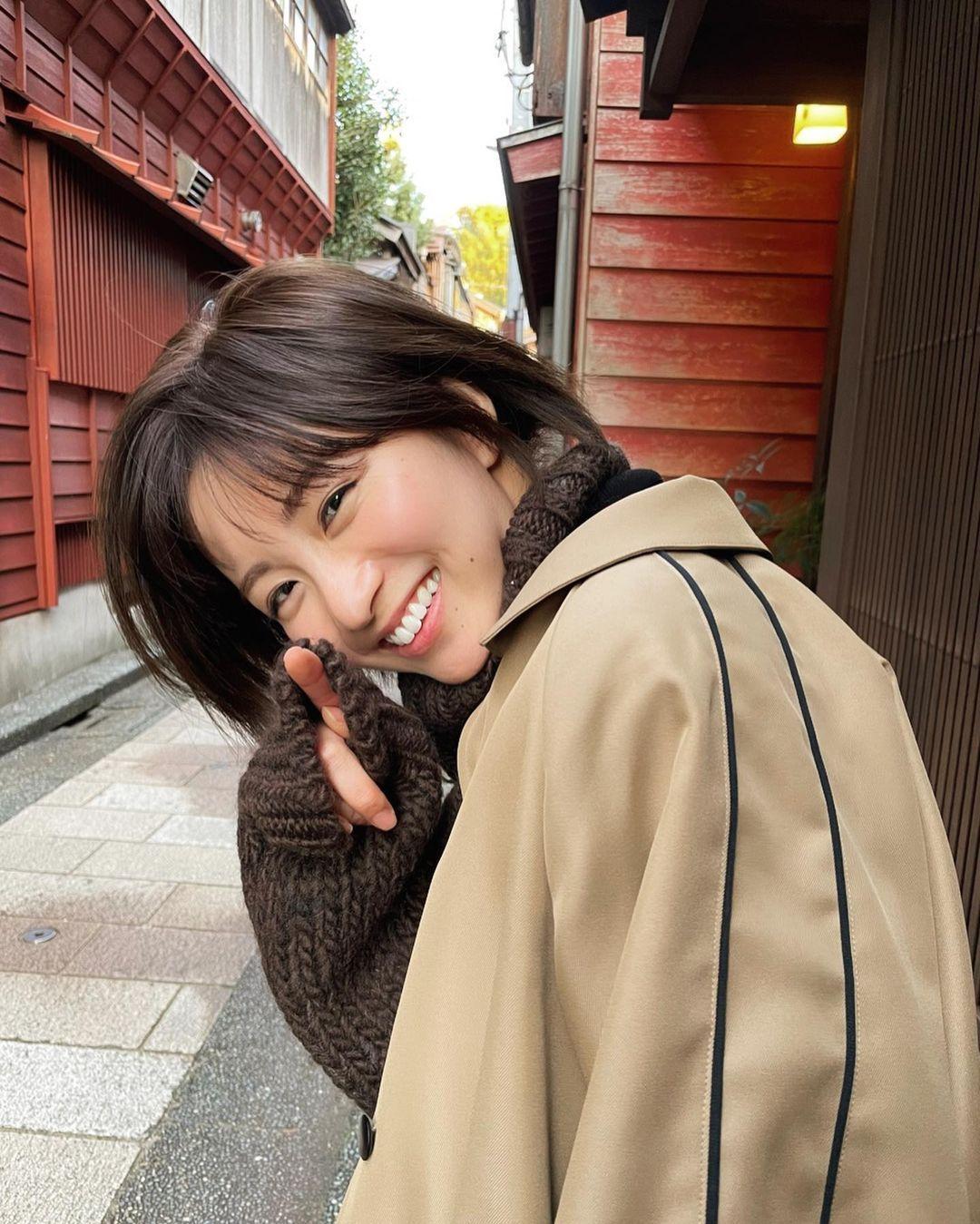 日系时尚杂志模特冈崎纱绘清甜笑容亲和力十足完全就是女友理想型 网络美女 第23张
