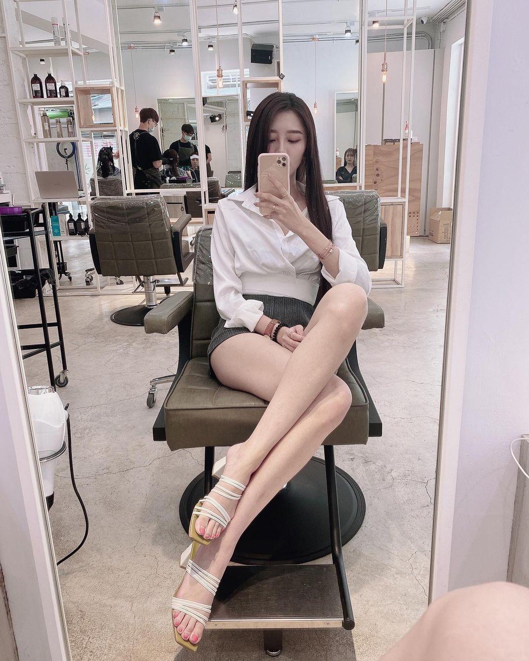 平面模特凯莉Kelly/冯怡翎白衬衫小窄裙OL套装 妹子图 热图2