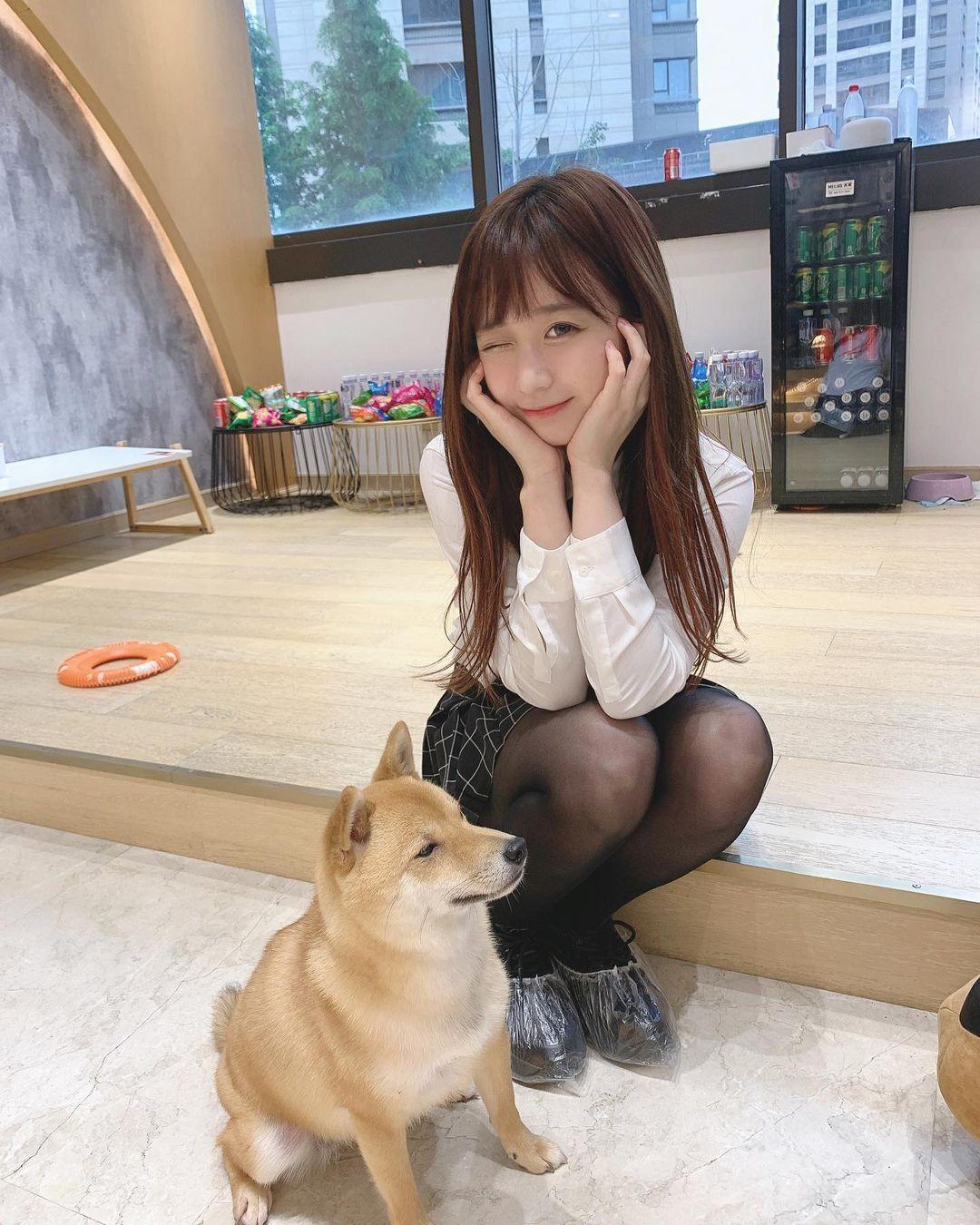 清纯可爱又性感的马尾萌妹Yami微微一笑让人恋爱 养眼图片 第5张