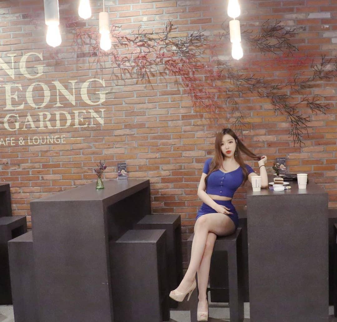 韩国极品网红美女jungvely_1121身材超性感 养眼图片 第5张