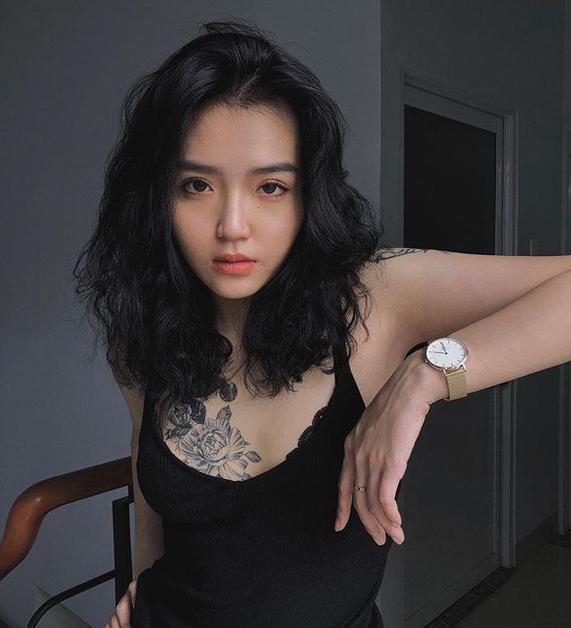 越南冷艳正妹《Hoàng Phương Vy》细腰曲线超诱人!-新图包
