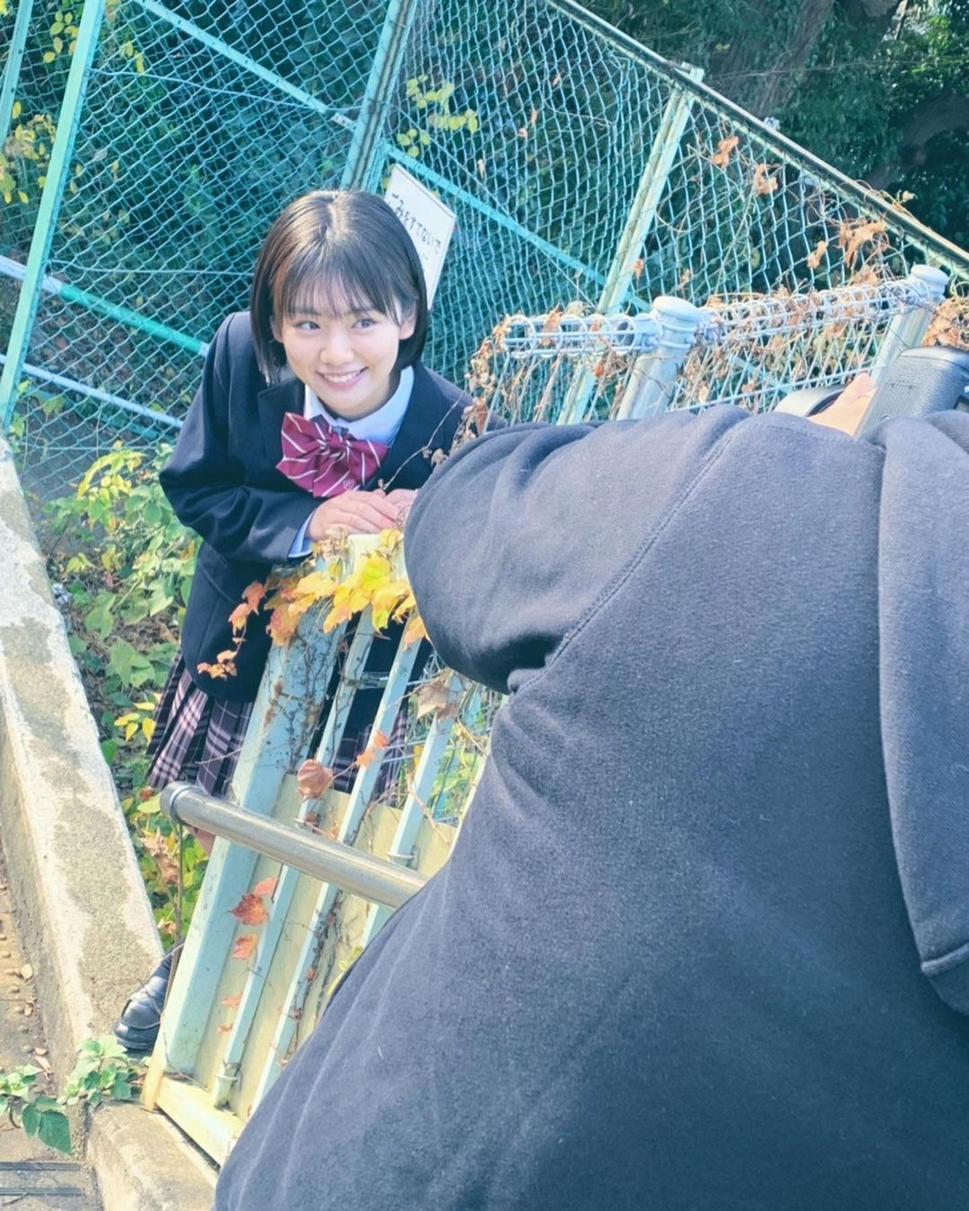 高三清纯美少女「湿身初解禁」!夺得制服选美冠军后勇拍写真,粉丝同学都暴动!-新图包