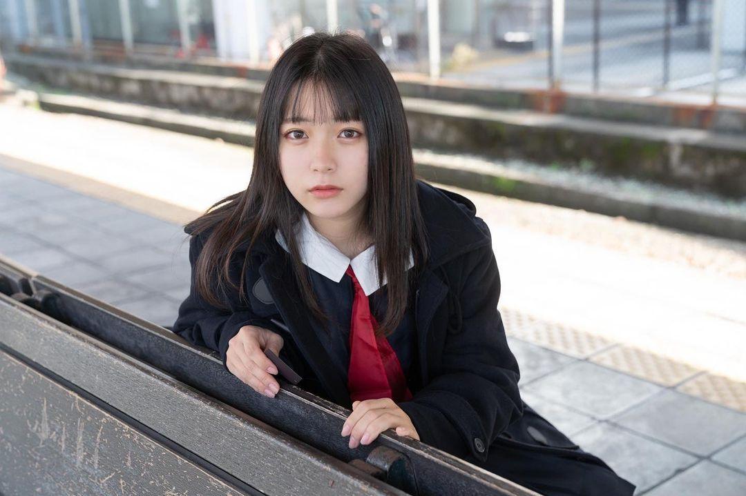 17岁仙女高中生瀬戸りつ绝美长相激似IU 全身散发空灵气质美到有点不真实 养眼图片 第25张