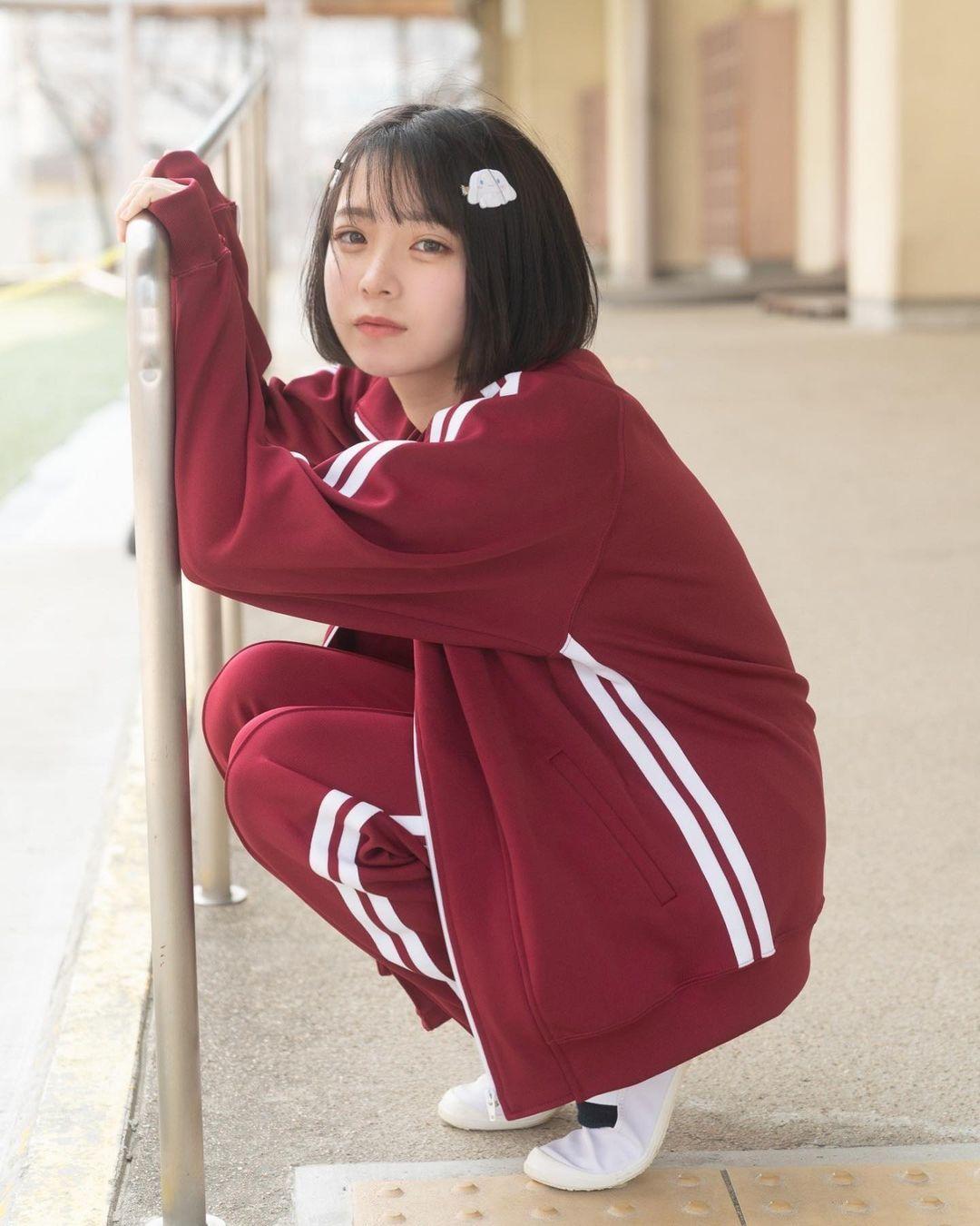 17岁仙女高中生瀬戸りつ绝美长相激似IU 全身散发空灵气质美到有点不真实 养眼图片 第33张