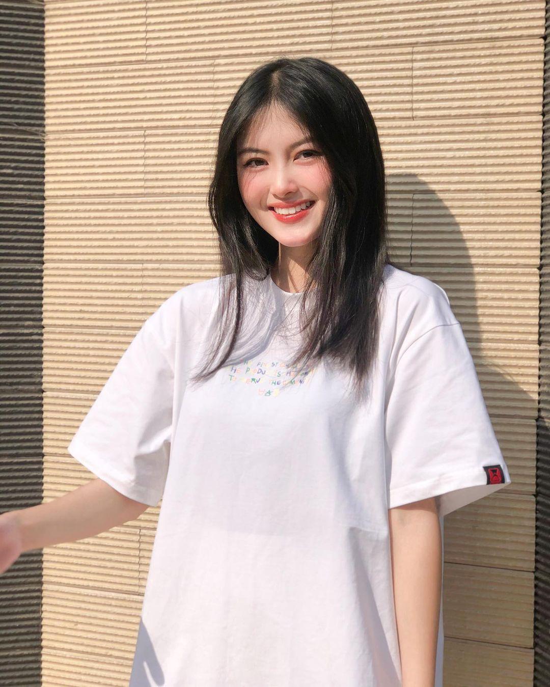[人物]清纯越南妹子「Leely」辣穿奥黛,让人不被她掳获都不行啊. 养眼图片 第5张