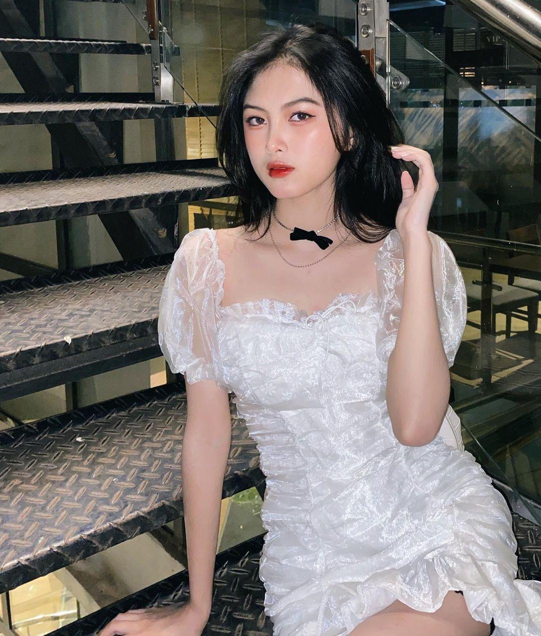 [人物]清纯越南妹子「Leely」辣穿奥黛,让人不被她掳获都不行啊. 养眼图片 第9张