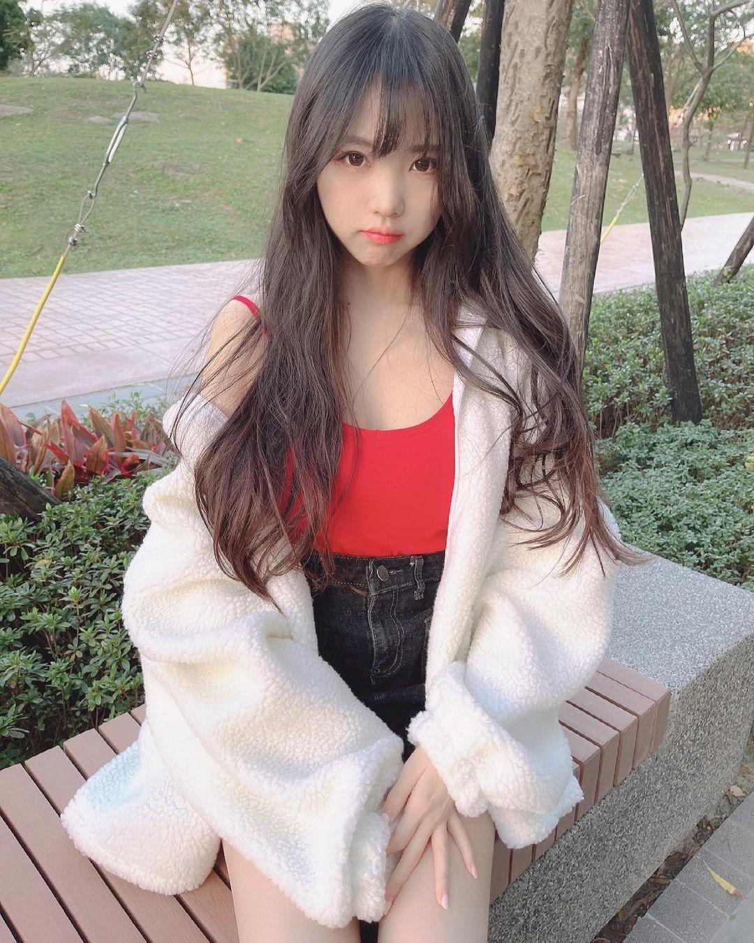 清新可爱的「软萌系美女」赵兔兔,性感旗袍小露,粉丝看到受不了. 养眼图片 第16张
