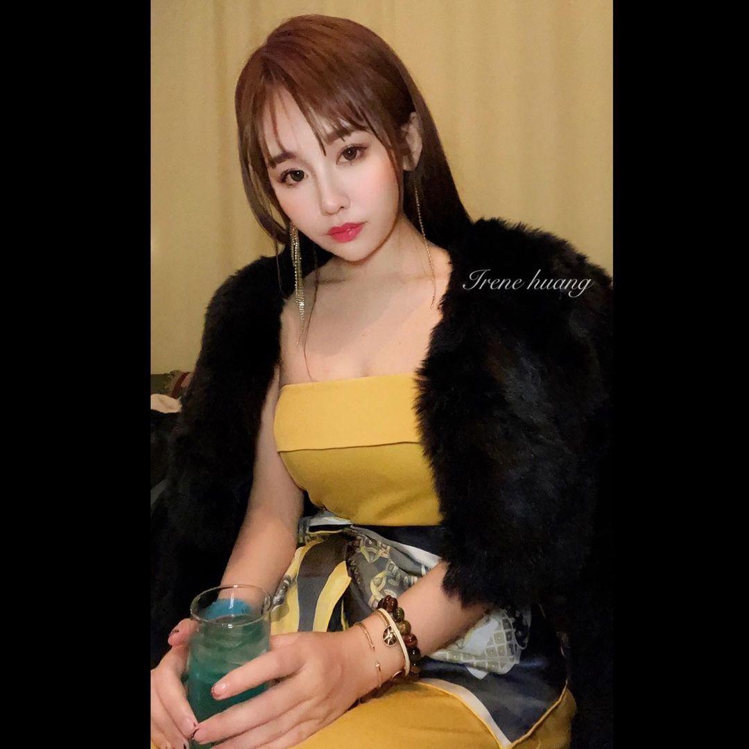 师范大学甜美美女「IreneHuang」玲珑有致好身材 养眼图片 第13张