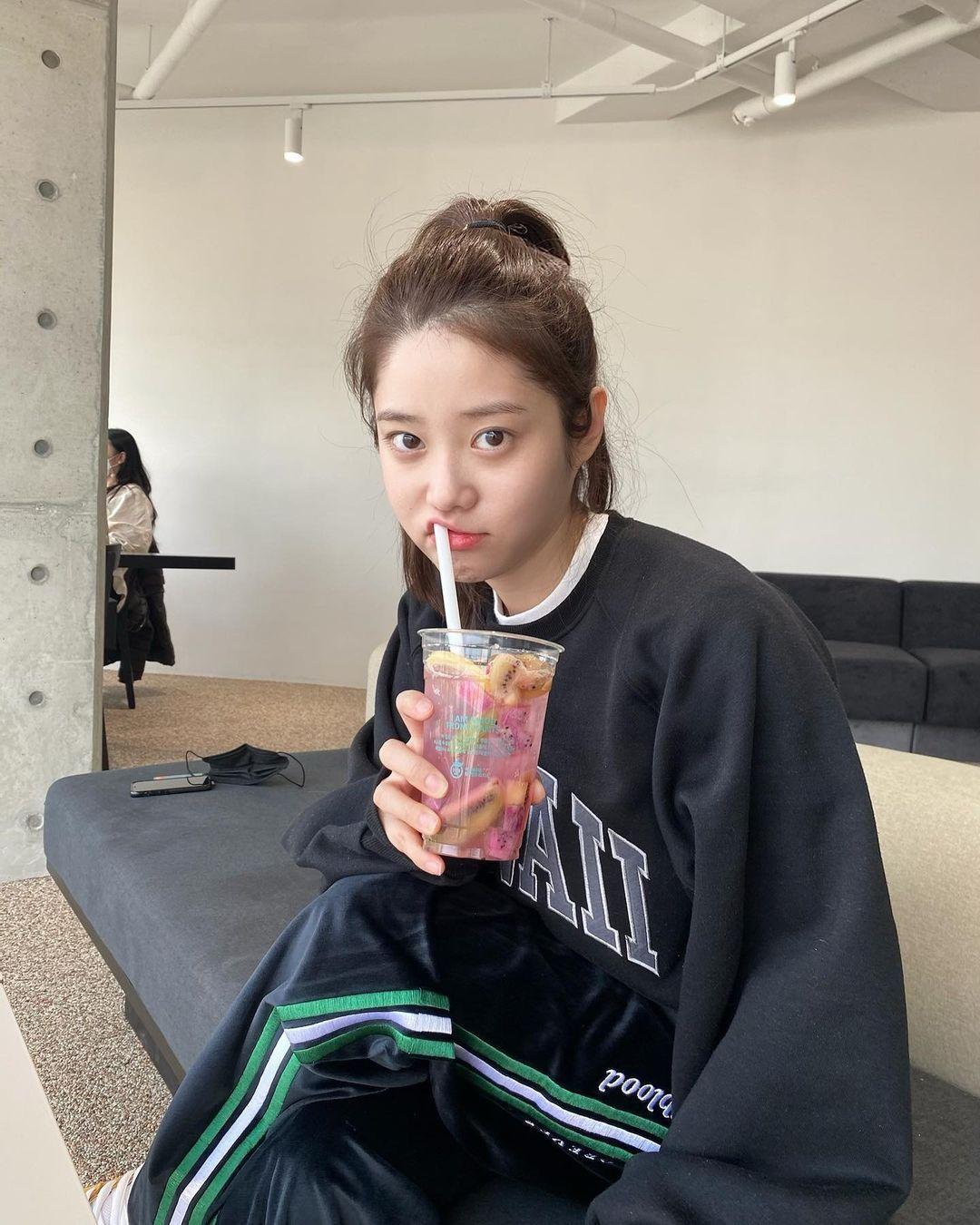 韩国甜甜小姐姐身材超会藏根本是「神隐少女」 网络美女 第9张
