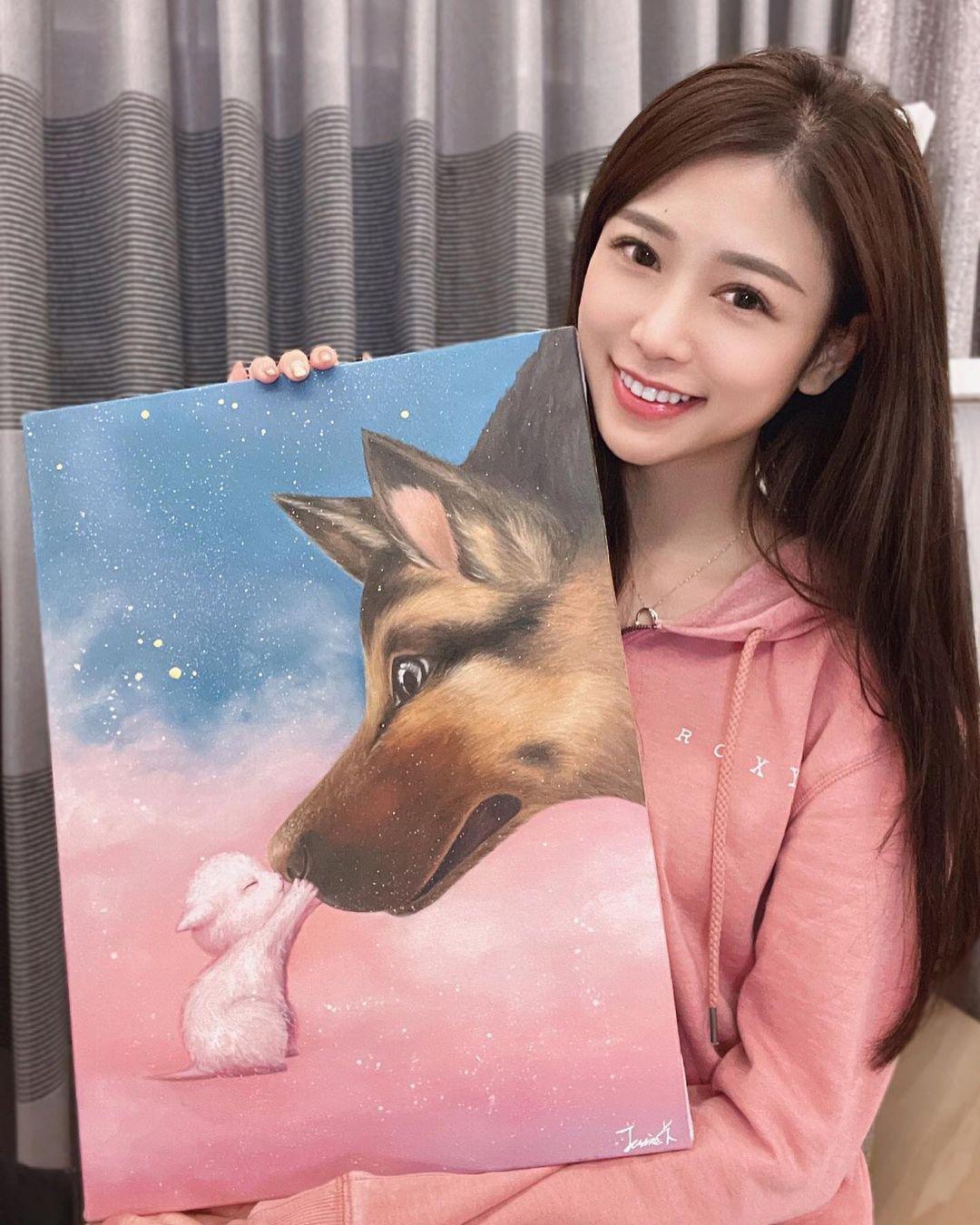 神级达人!甜美正妹「杜衫杉」兴趣是画油画,职业级作画宛如仙女!插图(2)