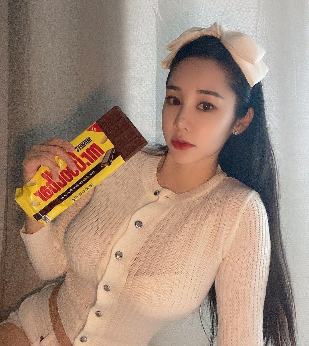 赛车女郎Kang habin 火辣身材成底片杀手!超肉感福利满满-新图包