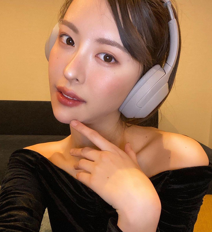 美艳御姐奈月セナ身型超暴力 白皙嫩腿修长 网络美女 第4张