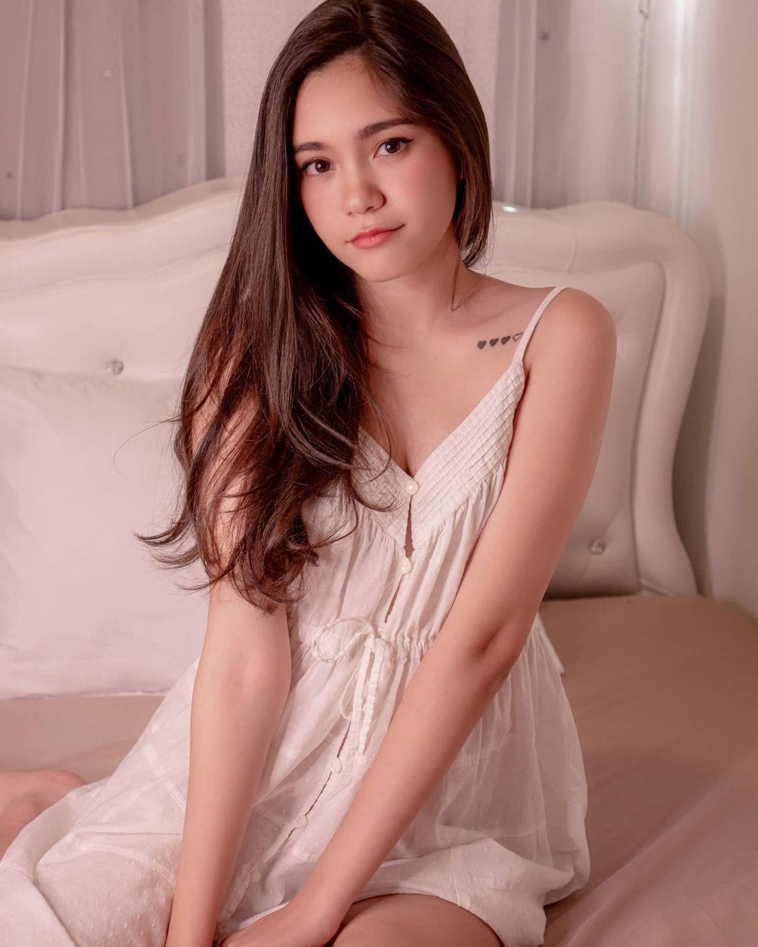混血正妹[Bella]甜美性感完美融为一体无辜大眼加姿态好撩人 养眼图片 第11张
