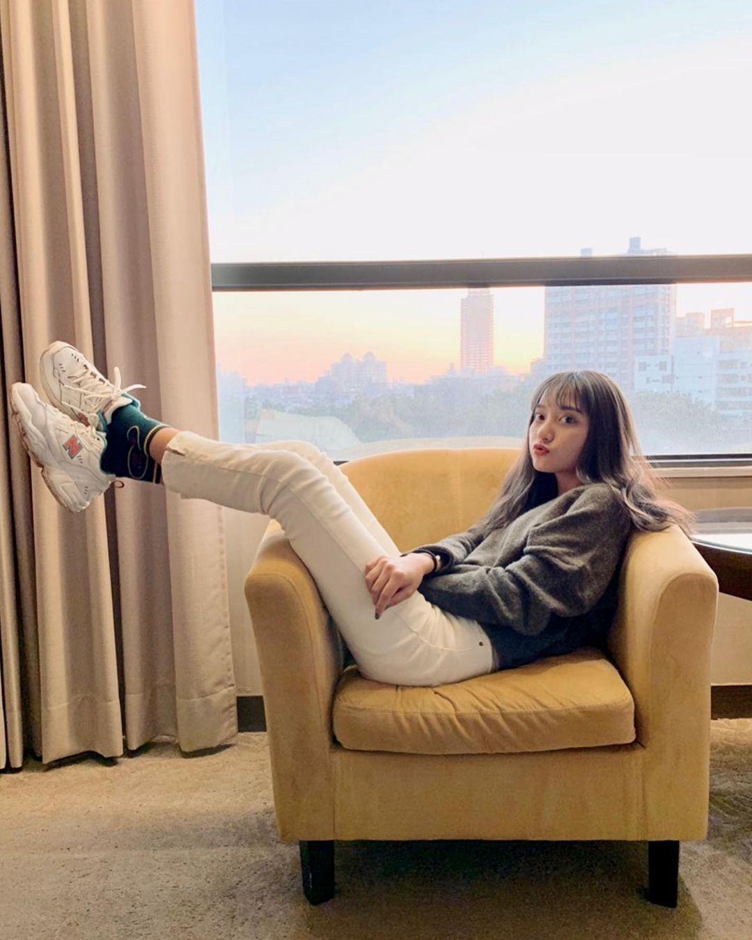 高雄小港高中18岁清纯学生妹,短发俏丽笑容甜美,个人IG好几万人追踪 养眼图片 第10张