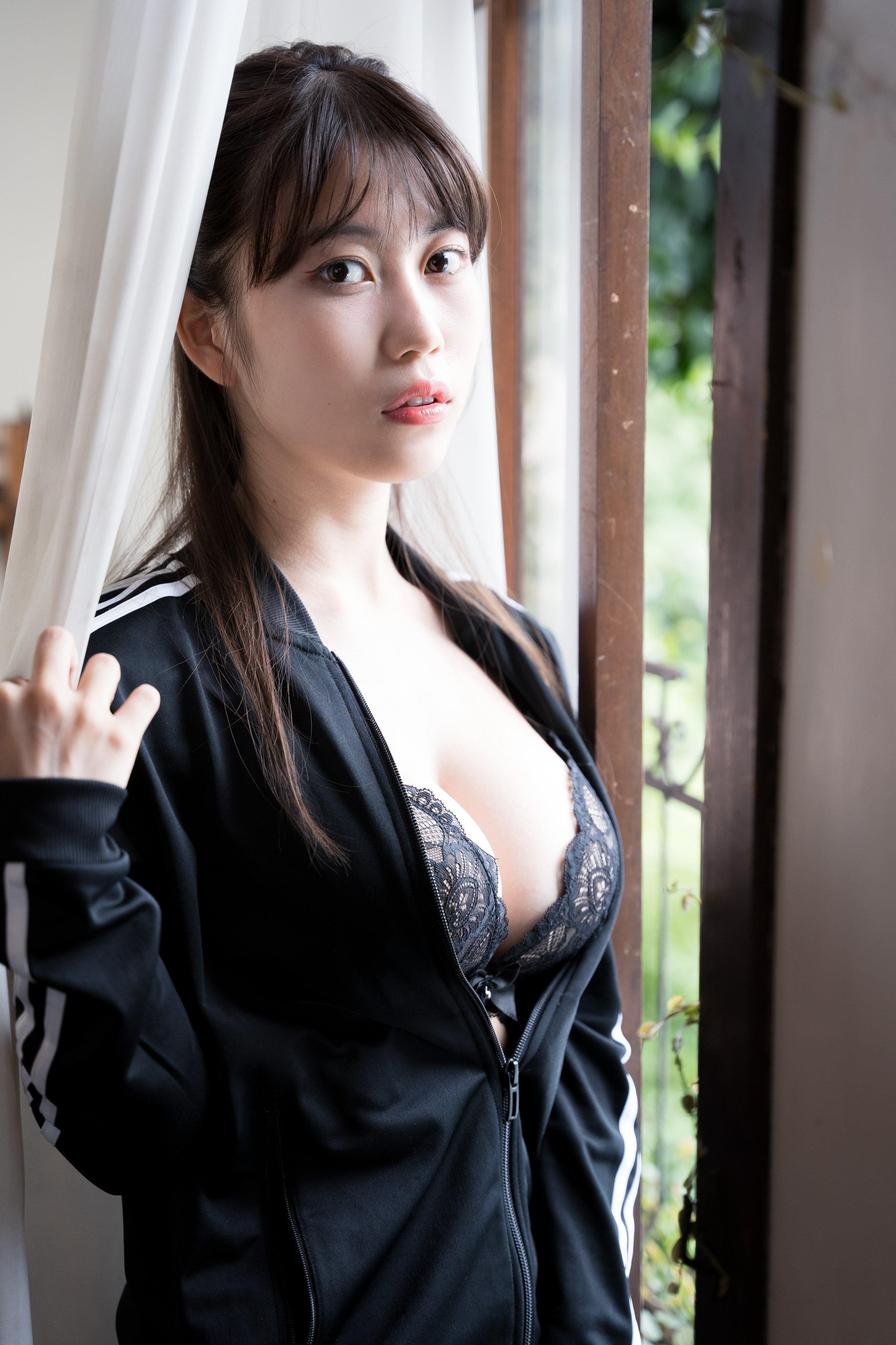 建筑系写真妹「伊织いお」,超狂饱满抢镜,难怪是写真超新星啊!-新图包