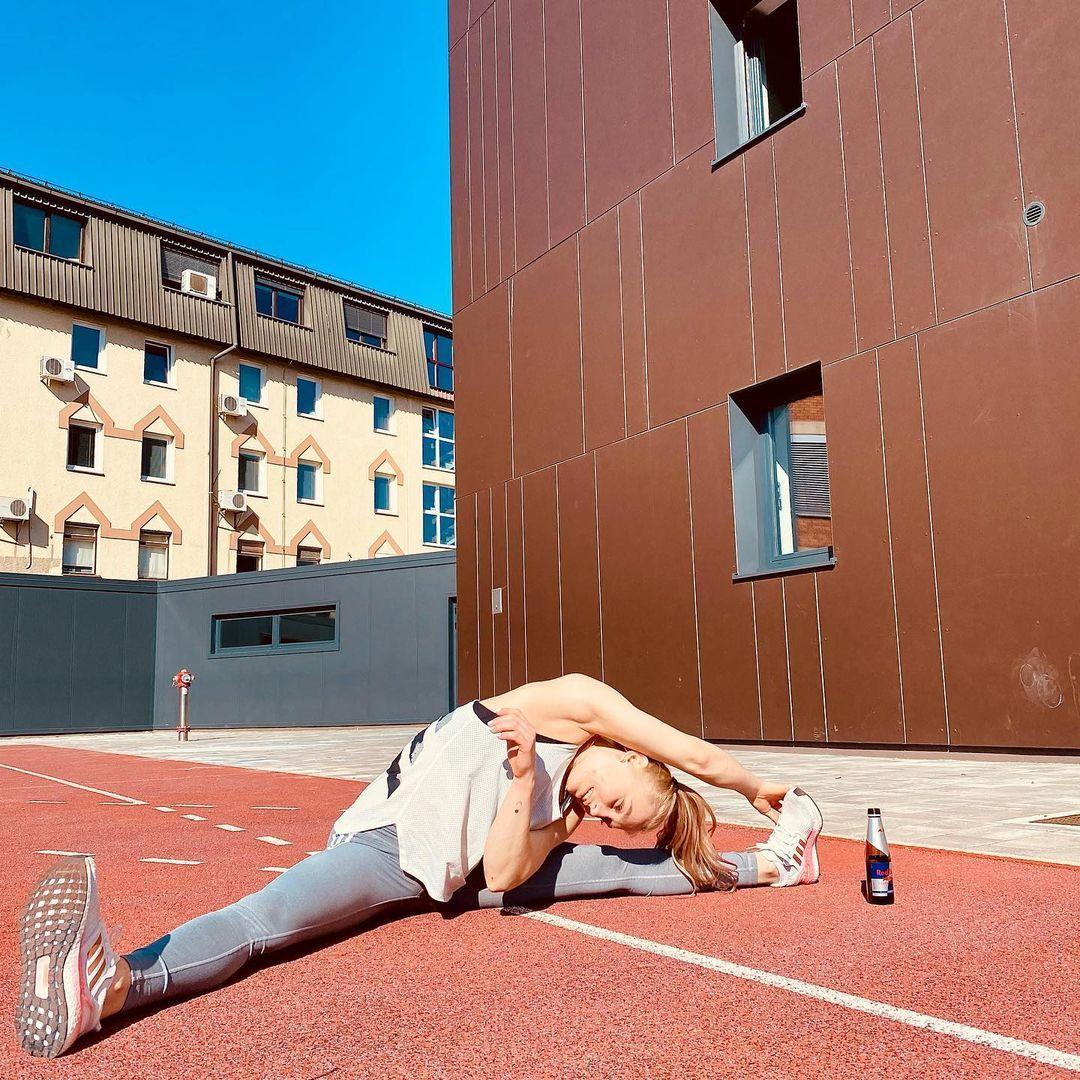 [东奥正妹] 攀岩正妹选手甜美笑容下轻功了得 飞檐走壁身手矫健 养眼图片 第9张