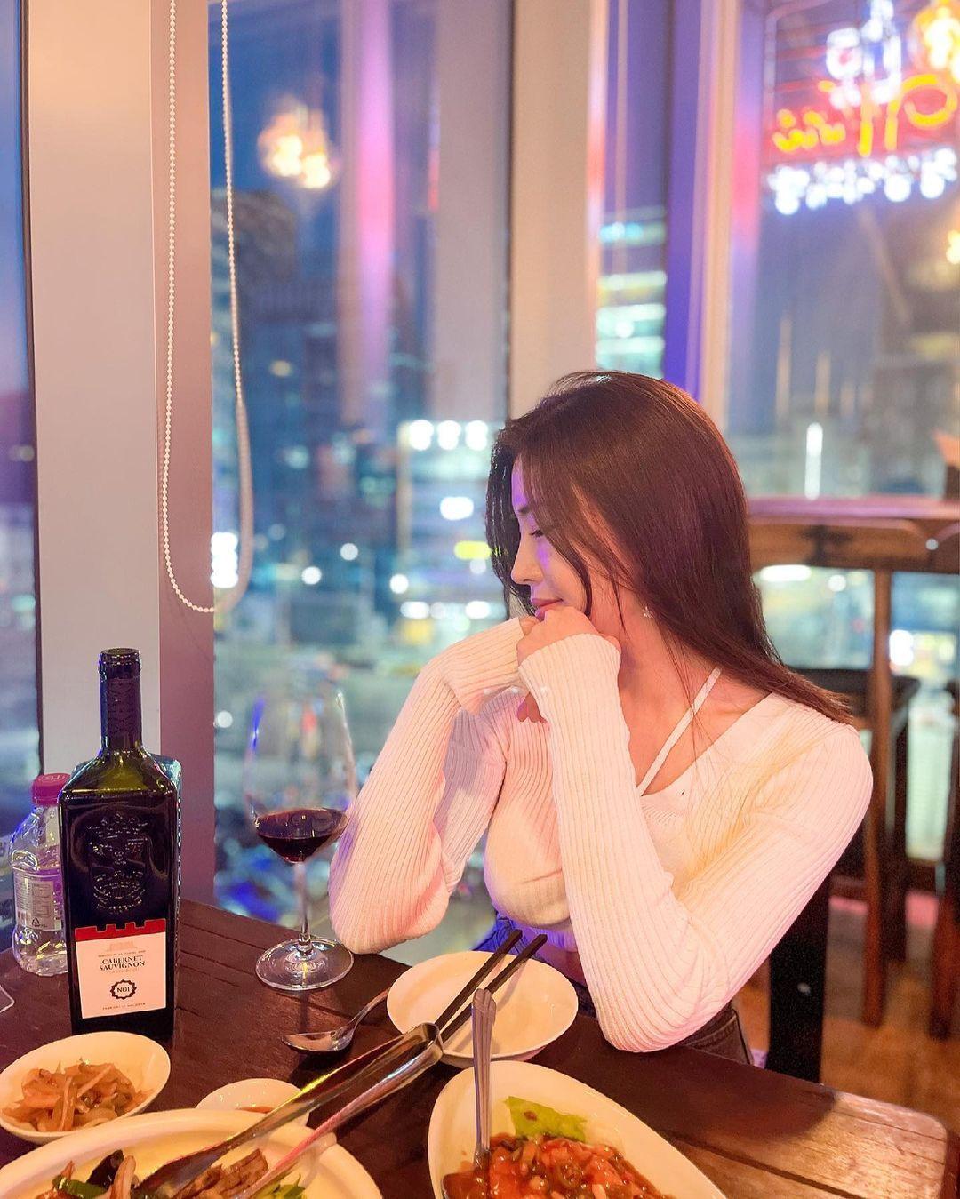 清凉穿着自己卖 [韩国泳衣阙娘Yebin]亲自试穿性感度满点 养眼图片 第12张