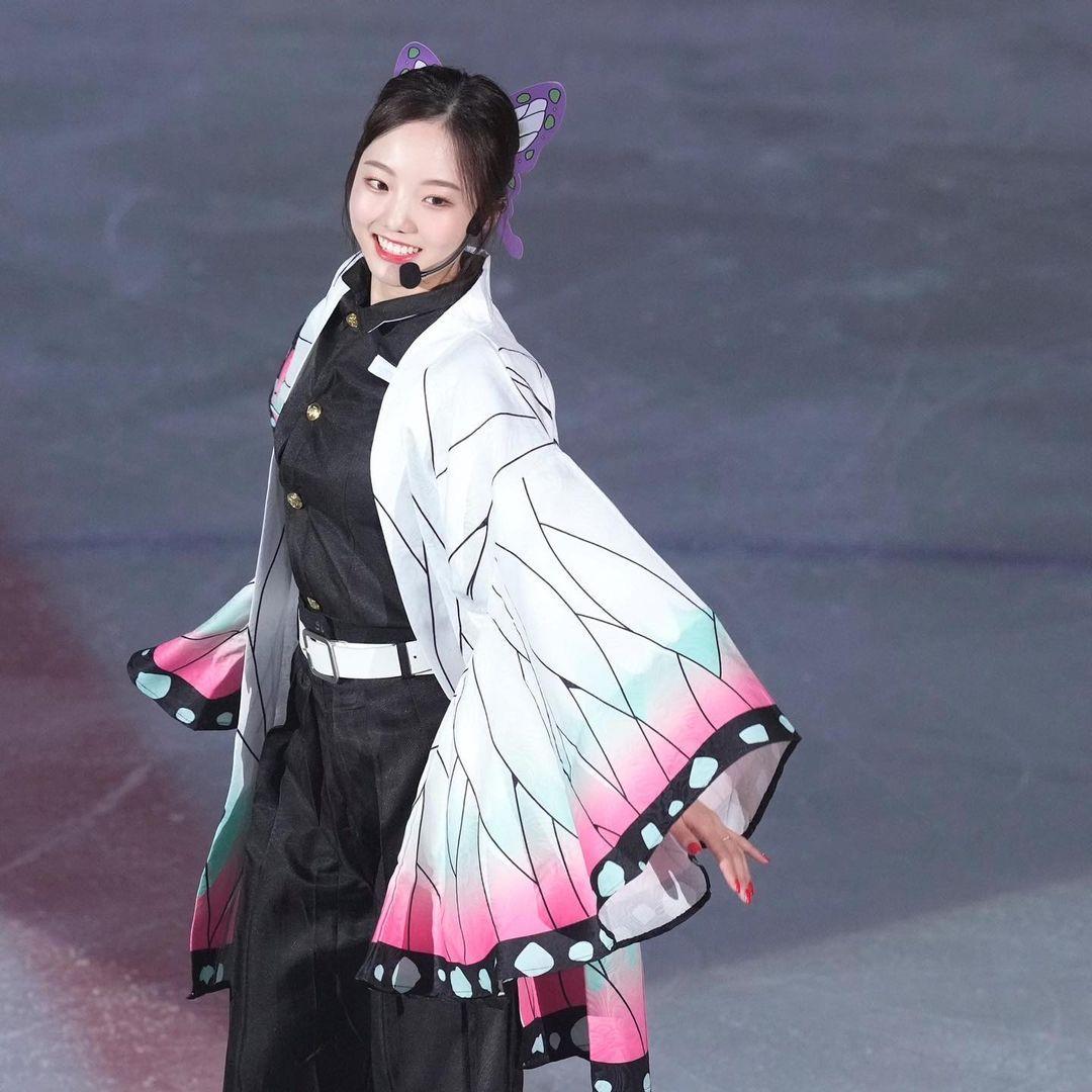 [正妹]日本花式滑冰女神[本田真凛]Cos蝴蝶忍在运动场上翩翩起舞 养眼图片 第1张