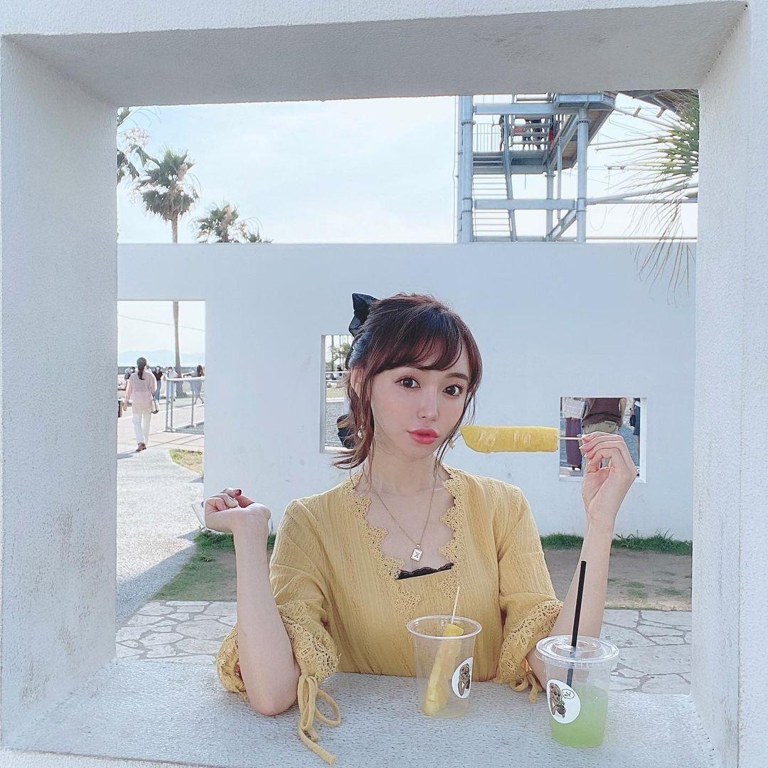 150cm甜美正妹是现役药剂师 网友光看就恋爱 美女动图 第13张